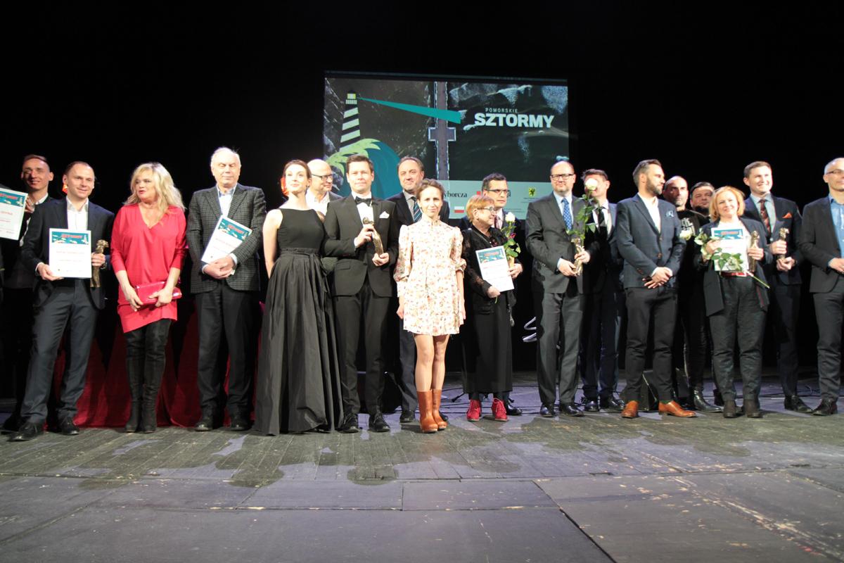 Wspólne zdjęcie laureatów Sztormów