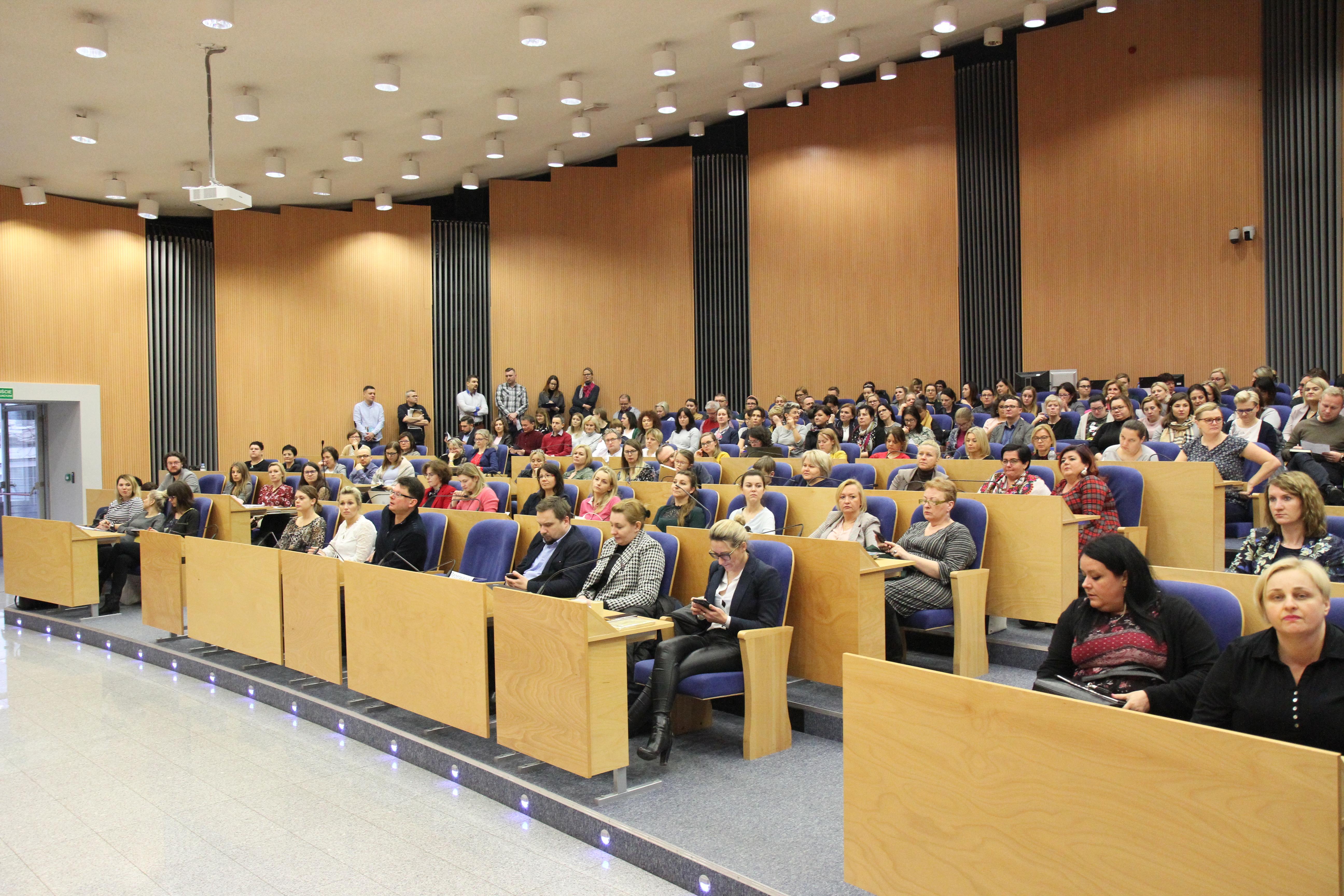 zdjęcia sali z uczestnikami szkolenia 622